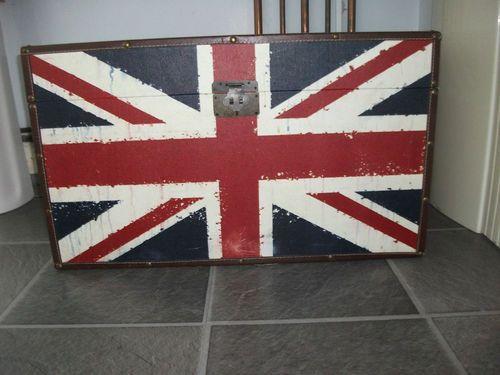 flag storage box