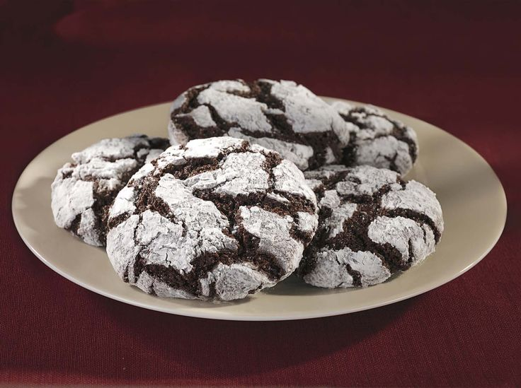 Ghirardelli Chocolate Crackle Cookies | http://www.ghirardellibrownies ...