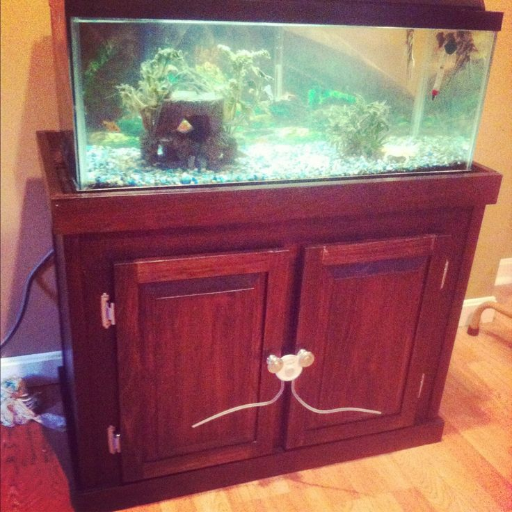 Fish tank stand Mommys DIY Extreme Home Makeover! Pinterest