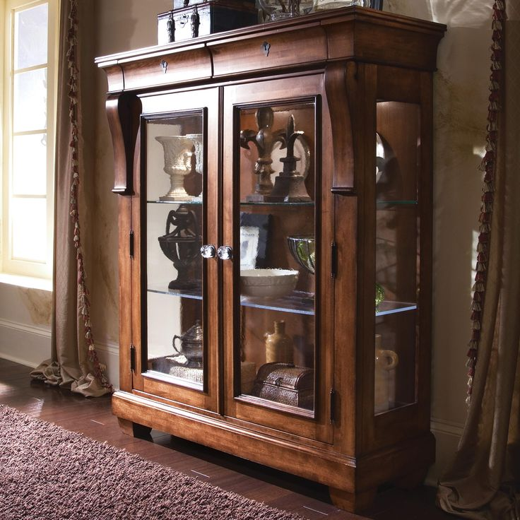 Pin By Michelle Fiksdal Eglesia On Curio Cabinets Pinterest