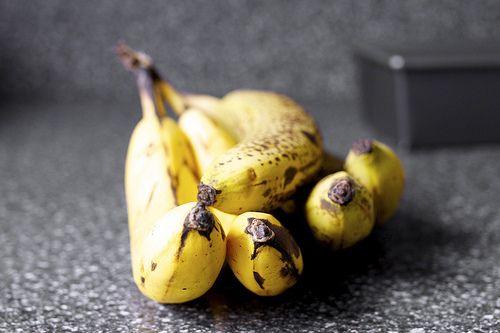 Crackly banana bread | Healthy and Happy | Pinterest