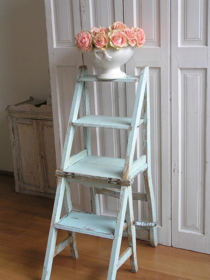 Shabby chic roses chippy ladder vintage decor and for Decor ladder