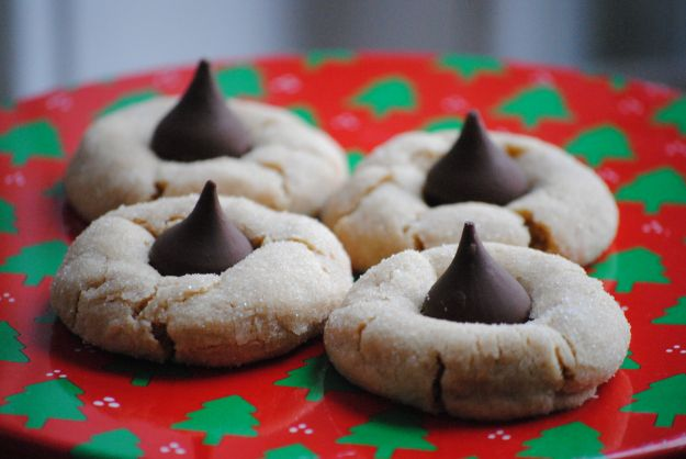 Peanut Butter Kiss Cookies | Yummy sweets | Pinterest