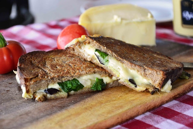Eggplant-Basil Grilled Cheese on Rye | Healthy recipes | Pinterest
