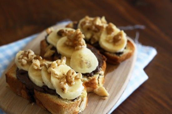 Maple, banana and Nutella breakfast sandwich http://skintastic.com/