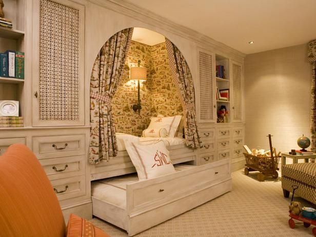 Cool Kid's Room. Built In Bed.