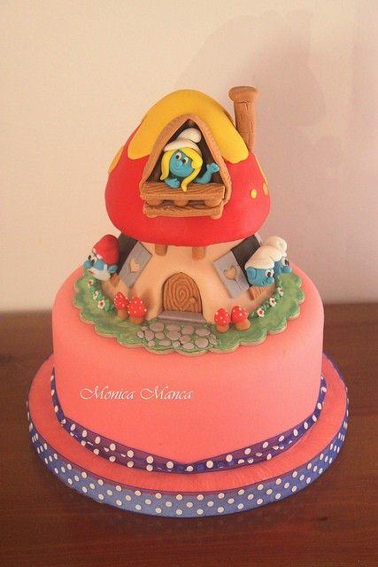 smurf cake design #Halloween #Smurf #cakes www.loveitsomuch.com