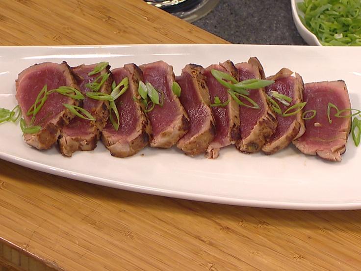 Seared tuna in soy marinade. SO easy, and looks amazingly yummy ...