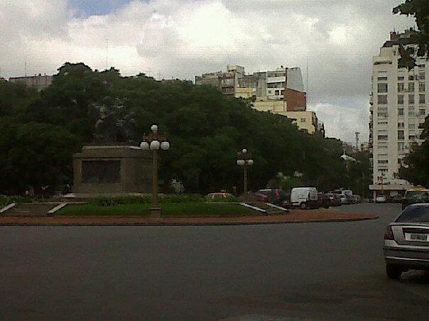 Plaza Grand Bourg donde funciona el Instituto Nacional Sanmartiniano fundado en 1933