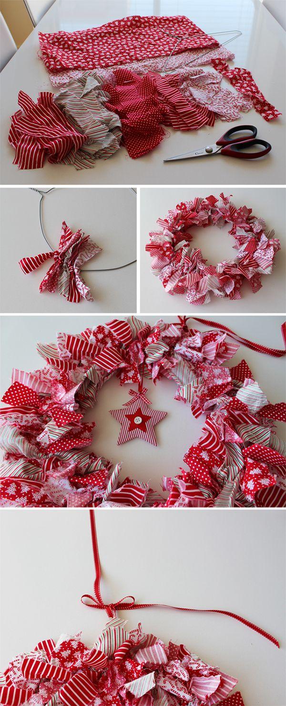Diy fabric christmas wreath tutorial xmas pinterest - Decoracion navidena diy ...