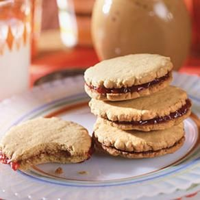 PB & J Sandwich Cookies! #recipe | Mom's Dessert Recipes | Pinterest
