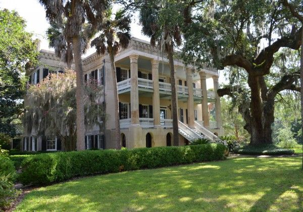 Pin By Kathryn Tucci On Beautiful Southern Homes Pinterest