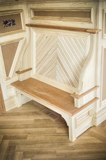 Foyer built-in bench