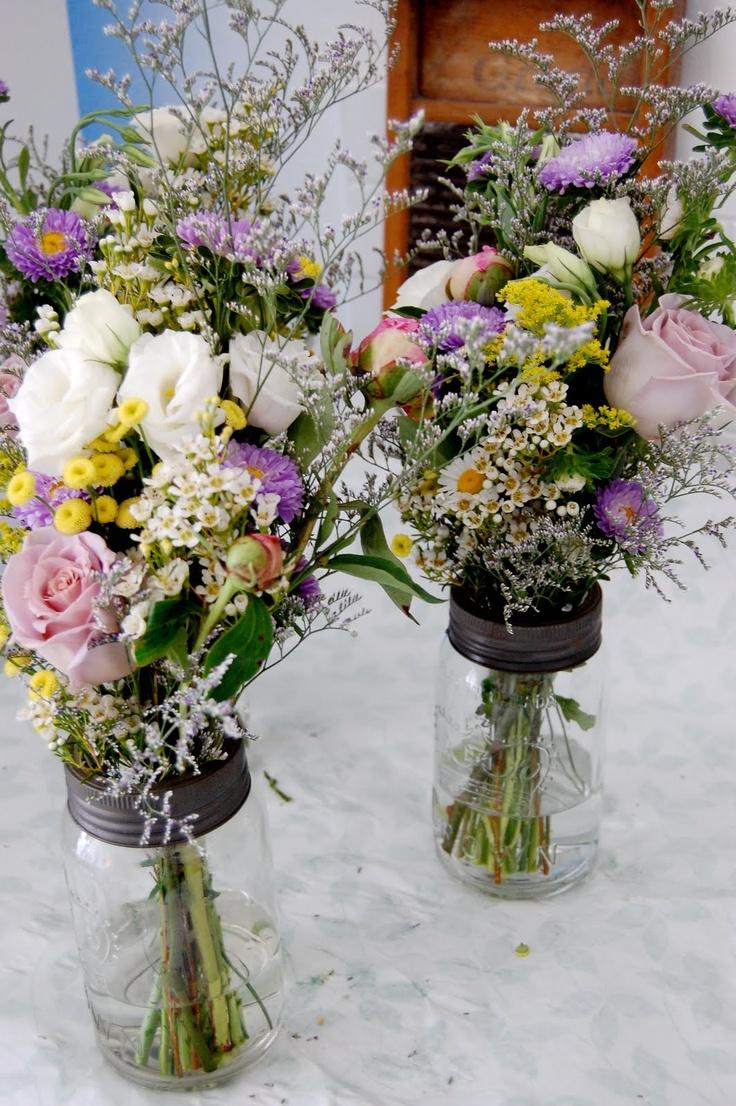 Mason jar floral arrangements event planning pinterest for How to arrange flowers in mason jar