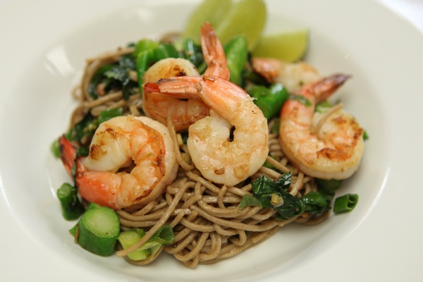 Lemongrass Shrimp with Soba Noodles and Chinese Broccoli #dinner # ...