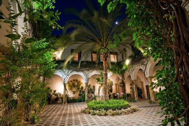 Patio del museo de los patios, palacio de Viana . Cordoba. España