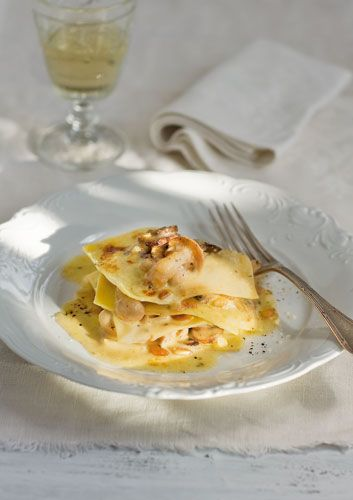 Open lasagne of mushrooms, pine nuts and thyme