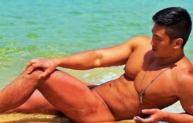 Jeremy Yong relaxing naked on the beach | asian guys | Pinterest: pinterest.com/pin/410742428487566851