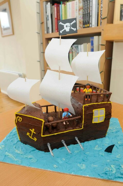 Pirate birthday cake. Within my capabilities, I hope!