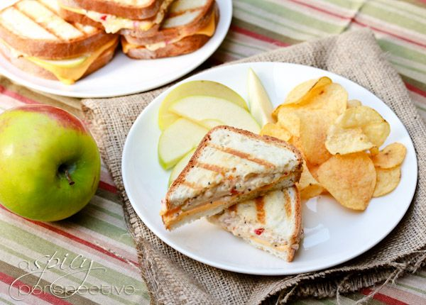 ... Pimento Granny Smith Grilled Cheese via @Sommer | A Spicy Perspective
