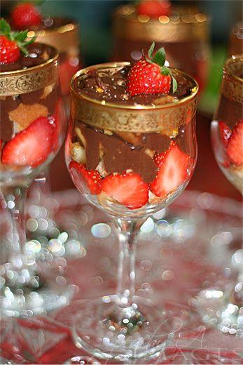 strawberry and peach cream trifle jimmy peach cream strawberry peach ...