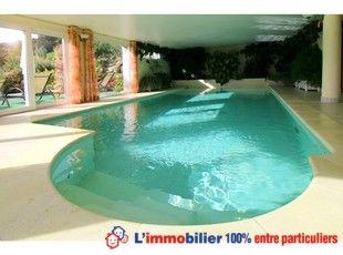 Pin by l 39 immobilier 100 entre particuliers on piscine for Difference entre salle d eau et salle de bain