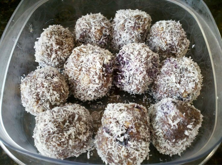nutty blueberry protein balls | Primal Blueprint