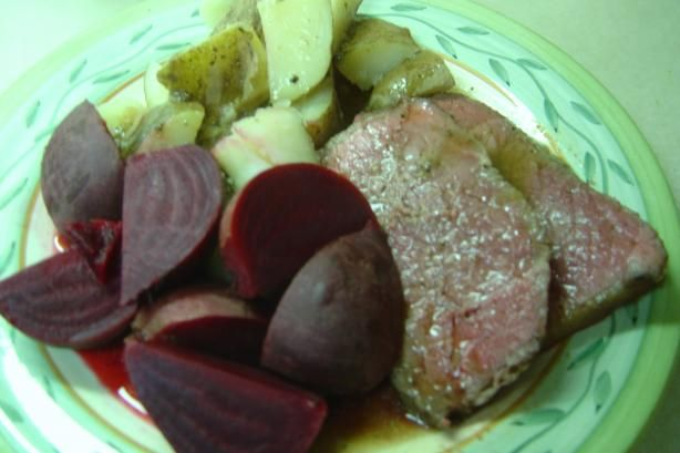 Shirley's Perfect Rare Roast Beef. Photo by Linda's Busy Kitchen