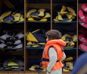 (Minnesota) - Free Life Jackets Available For Lake Minnetonka Boaters. The life jackets will be available [for loan] on Lake Minnetonka at Gray's Bay, Spring Park Bay, and Maxwell Bay.