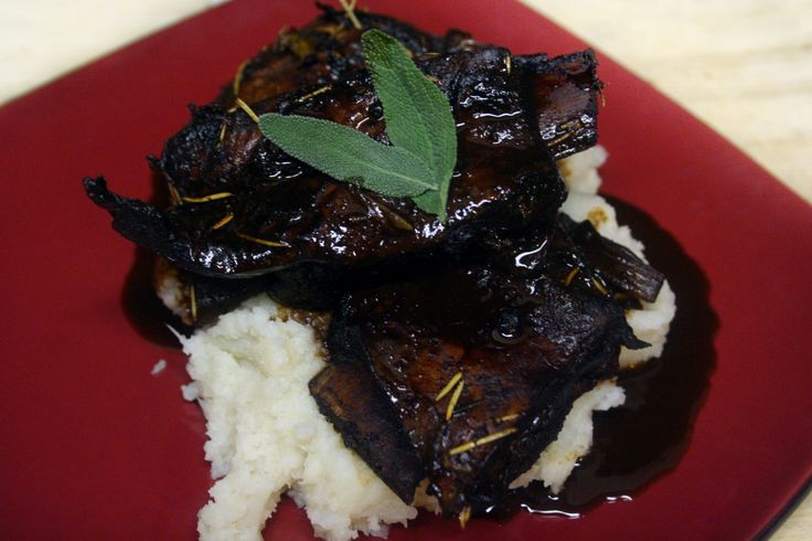 Tender braised short ribs in ancho chili red wine sauce.