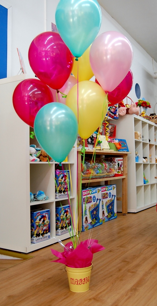 Balloon bouquet in a little bucket event ideas pinterest for How to make balloon arrangements for parties