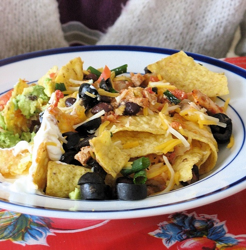 Chicken and Black Bean Nachos | Party Food and Snacks | Pinterest