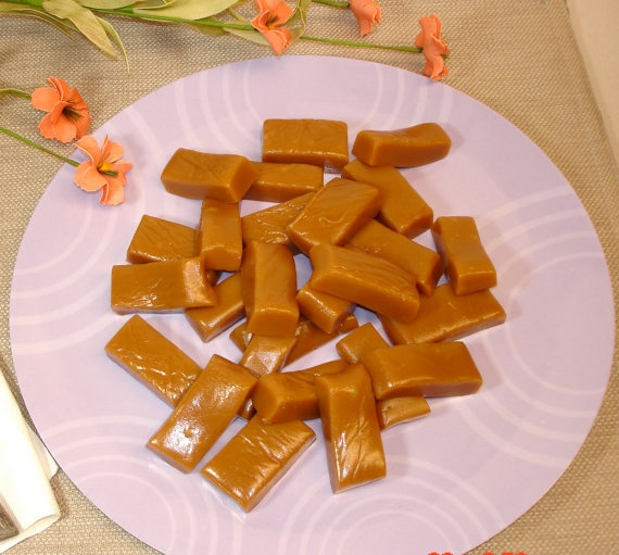 Homemade Butter Rum Caramels 1/2 pound by CaramelConfectionery, $7.95