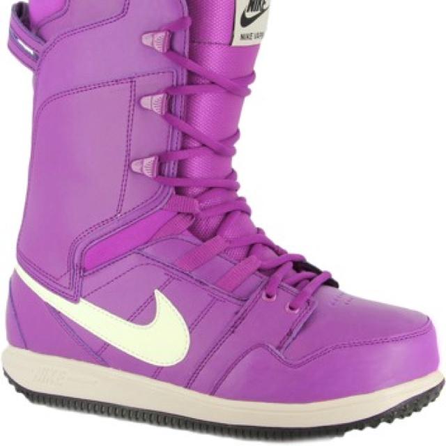 Beautiful Nike Womens Vapen White Snowboard Boots