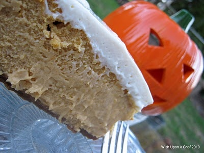 Pumpkin cheesecake with marshmallow sour cream topping & gingersnap ...