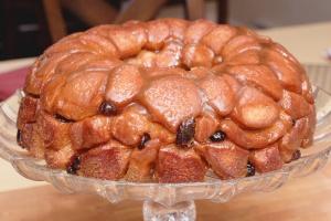 crangberry eggnog monkey bread - easy