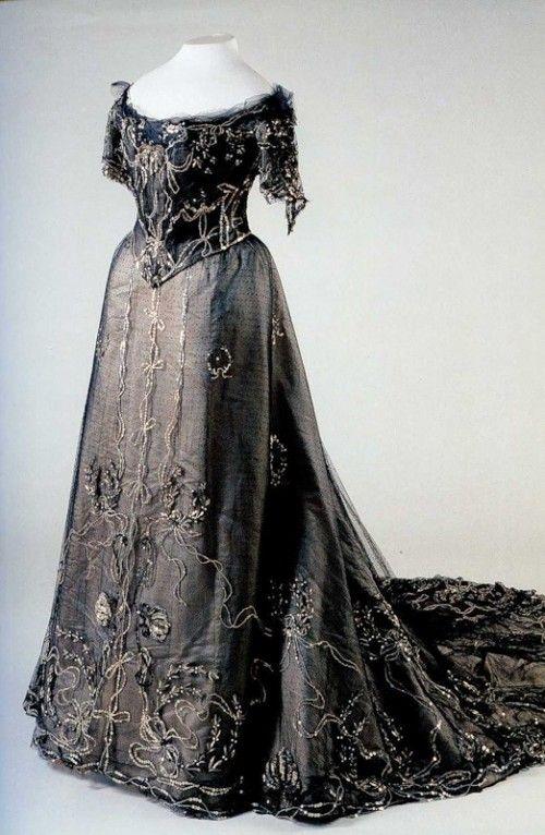 Russian Royal Wedding Dresses : Dress of tsarina alexandra romanov imperial russia