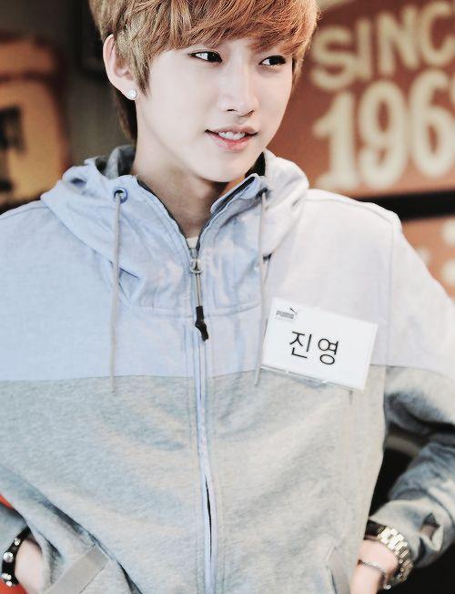 JinYoung B1A4 | B1A4 비원에이포 | Pinterest