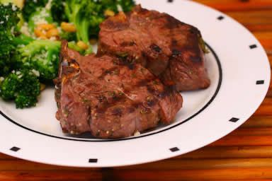 Grilled Lamb Chops Recipe with Garlic, Rosemary, and Thyme [from Kalyn ...