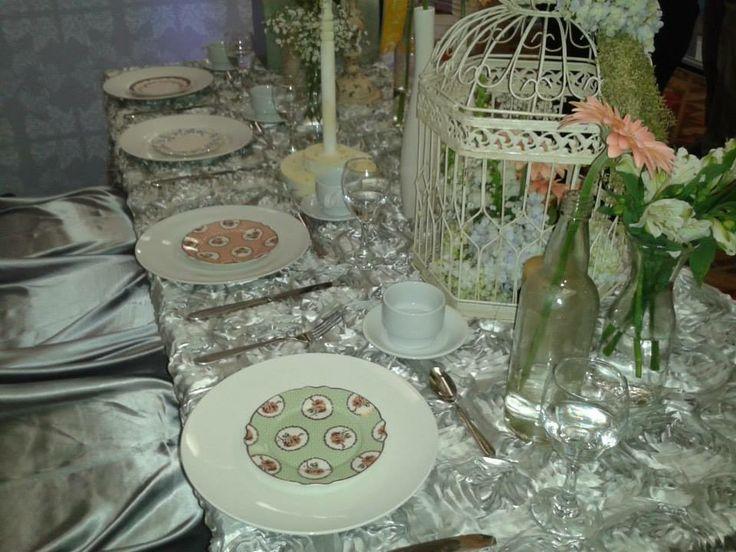 Articulos De Decoracion Vintage ~ Jaula y platitos vintage de Alquibodas decorando un hermoso stand! Vk