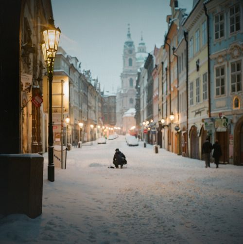 Snow in prague travel pinterest for Vacation in the snow