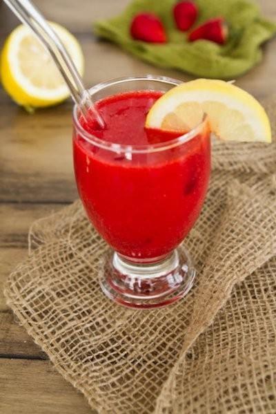 60 second homemade strawberry lemonade | tiff | Pinterest