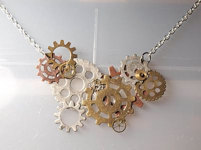 I like this gear necklace