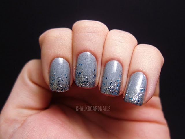 this nail art stuff is serious. very pretty.