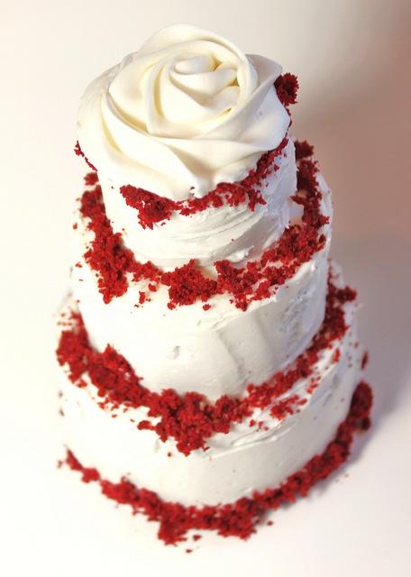 Red velvet cake with buttercream rose | Wedding Cakes - Red & White ...