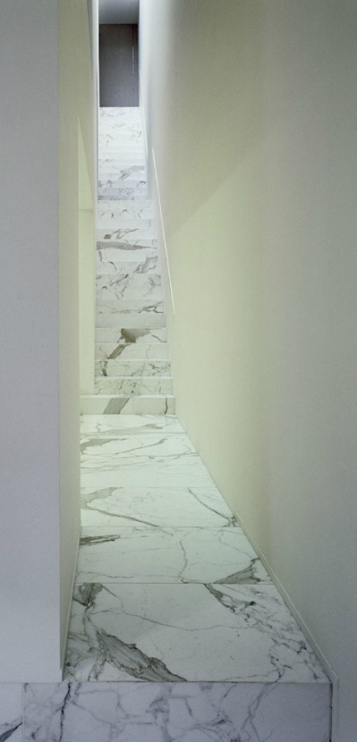 Marble staircase inside the DJ-VDV-residence by Vincent van Duysen.