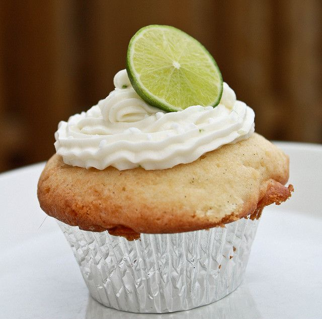 Coconut Cupcakes with Key Lime Frosting | Cupcakes/Muffins | Pinterest