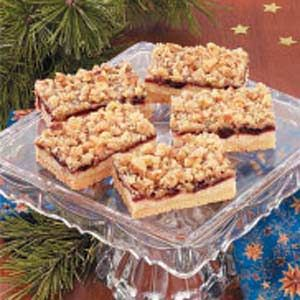 Cranberry Crumb Bars Recipe - This family favorite from Charlene Baert ...