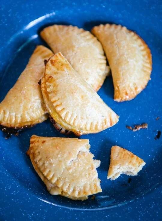 "empanadas with corn filling (""humitas"") | Kitchen Klutz | Pinterest"