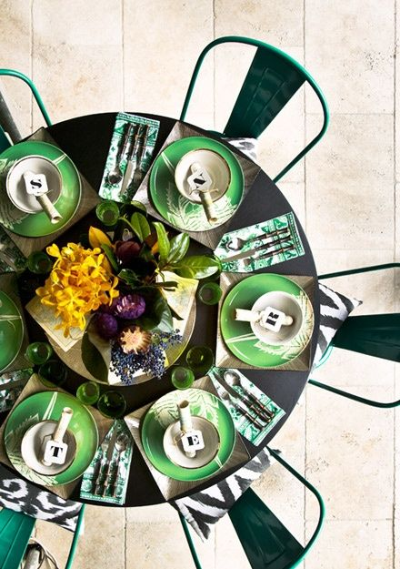 emerald green table setting